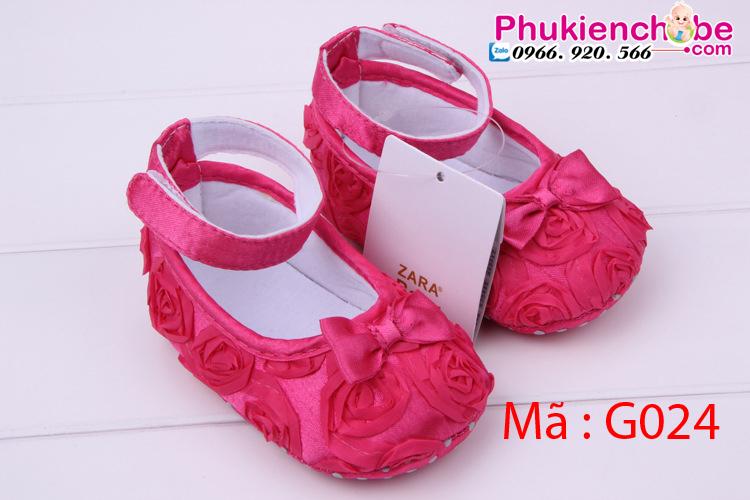 Giày Sơ Sinh Bé Gái G024- Xinh xắn, an toàn bảo vệ bàn chân trẻ. Thường được làm từ len, nhung, cotton để giữ ấp lòng bàn chân cho trẻ.